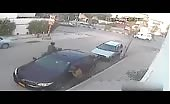 Car Mirror Thief Gets Instant Justice