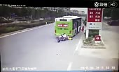 Four Idiots On Scooter Crashes Into Bus